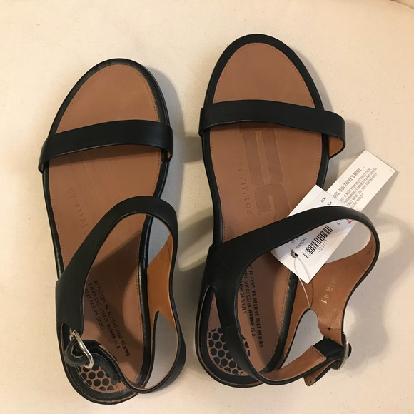 09abf0a53 FitFlop Sandals (brand new)